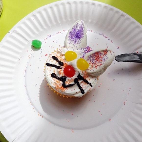 eyeheartprettythings-easter-week-bunny-cupcake